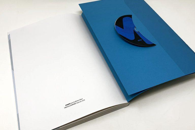 Un volume con bandella fustellata e cd multimediale per CNR Edizioni