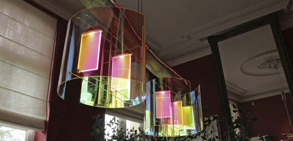 Le lampade in plexiglass di Louis Verbeek