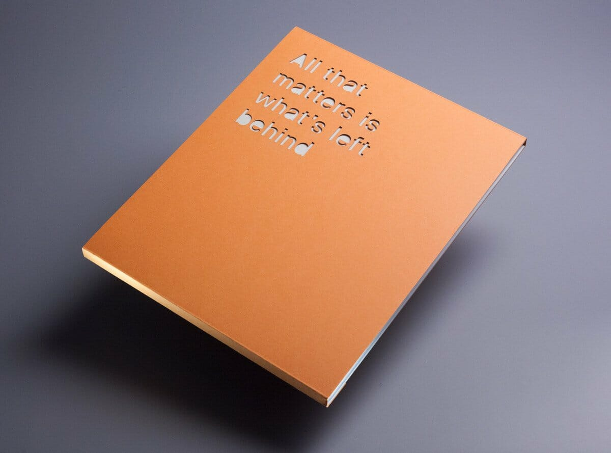 libro con fustellatura laser