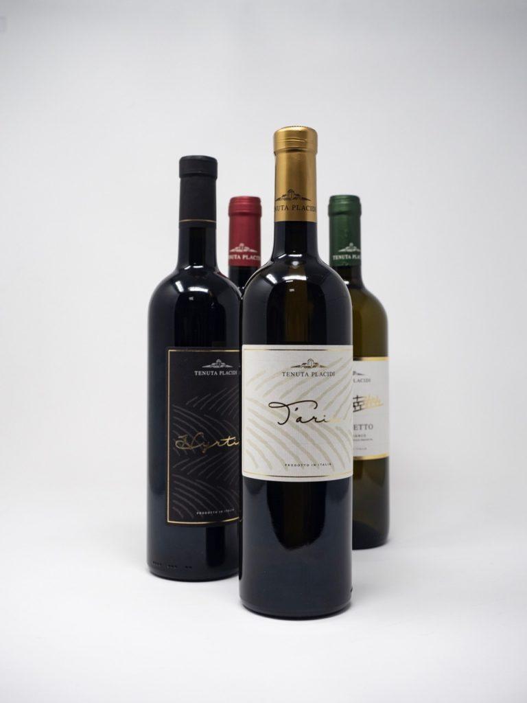 Etichette in bobina e lavorazioni speciali. Due esempi dal mondo del vino.